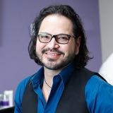 Dr. Robert Ruiz